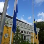 curacao-vlaggen halfstok